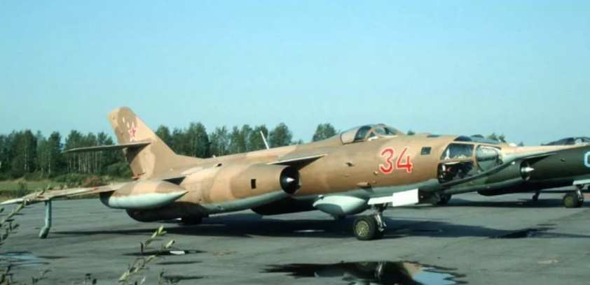 Як-28Р
