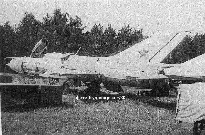 МиГ-21ПФС с системой СПО-3