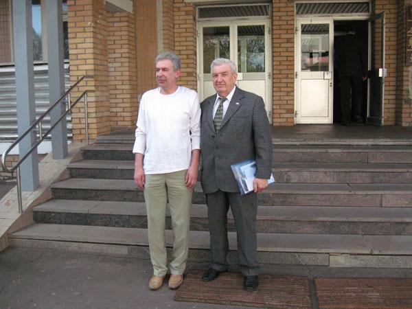 10.05. К-т (подполковник запаса) Жилинский С.С. (вторая группа) опоздал на фотосессию, поэтому запечатлен отдельно, вместе с Шефом.