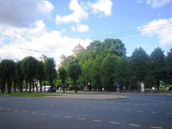 10.Здесь был памятник В.И. Ульянову-Ленину.
