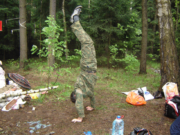 28.Это даже не Тарзан и не бешенный дикарь, это наш спортсмен  ведущий – Олег Дмитриевич Пушкарь