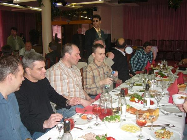 Иванов, Косточко, Ефимов, Туленков, Соколовский (не виден), Москвито, Еремин (создает блики), Шпаковский.