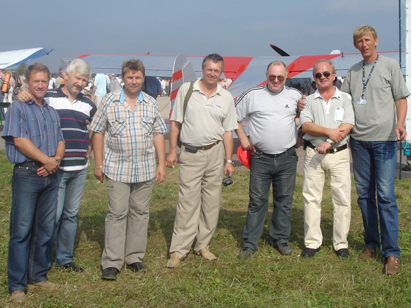 Некоторые из СД-83 собрались и пообщались на МАКС-2007. Были - Гусев,  Гринченко, Леушин, Рожков, Коротков, Салтыков, Рухлядко.