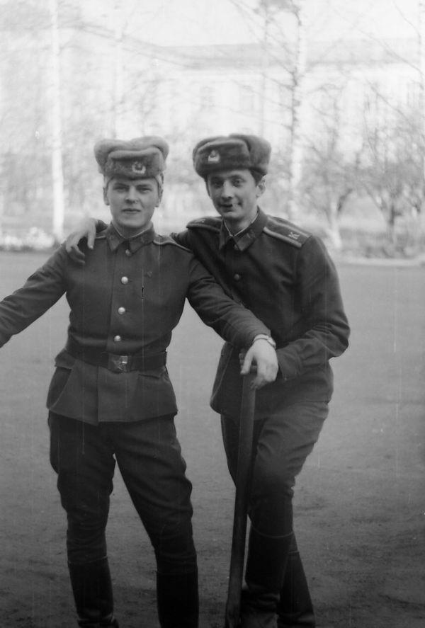 В.Барибас и В.Бугайченко 03.82г.