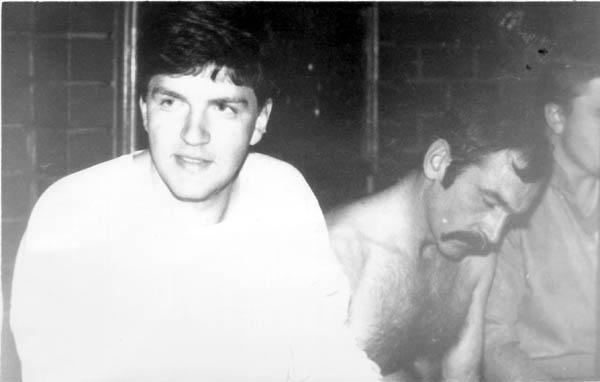 встреча выпускников АО вып. 1987 г. в бане РВВАИУ (лето 1992 г) Д. Шканакин и П. Александров (был наш курсовой офицер)