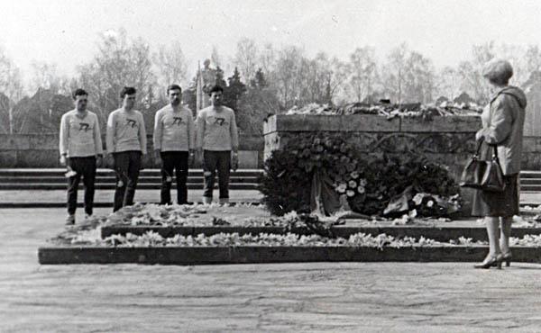 Почтим память павших в боях за Родину