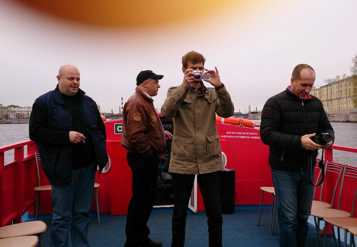 Фотосессия на палубе. Екимов, Ремизов, Куртаев, Равиньш
