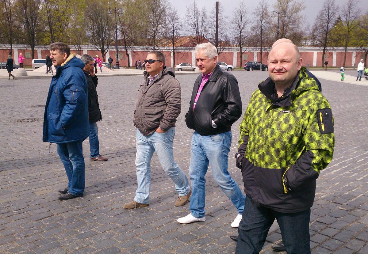 На прогулке в Крондштате. Итченко, Стародумов, Клещев, Букреев