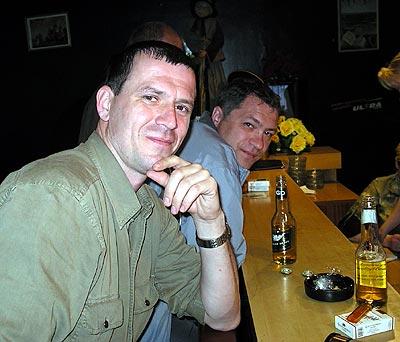 """А утром заглянули в бар: поплили пивка (выпили весь местный запас """"Тинькова"""")"""