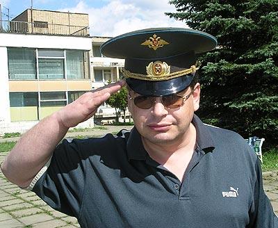 Утром дышим воздухом: Игорь Плиев армию не забыл…