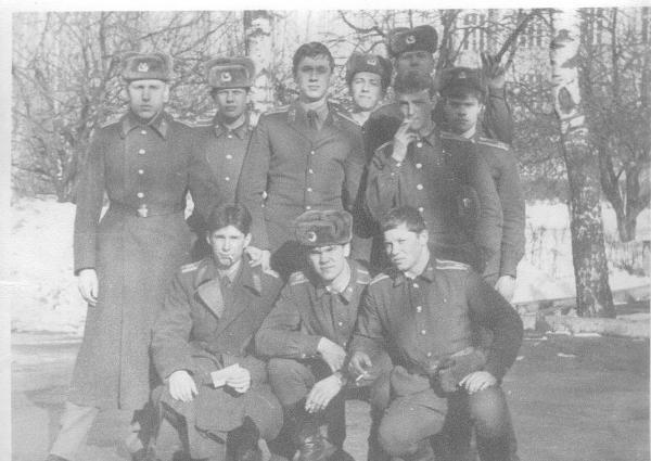 Верхний ряд: Симонов, Сегида, Кузьмин, Игнатовец, я, надо мной Чекменев,  Литвинко;  нижний ряд: Севастьянов , Наранович, Шалин.