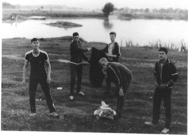 Отдых на стажах в Щучине: Кузьмин, Рябов, я, Симонов и Корух.