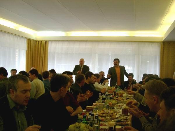 1 Мая, Подмосковье, генерал Дождиков поднимает первый тост