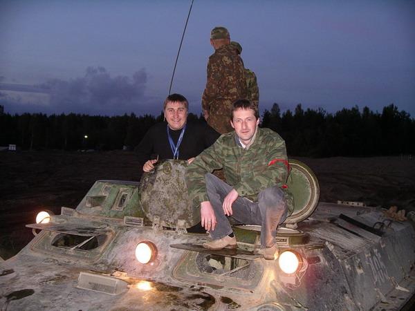 С коллегой, полигон под Питером 2005